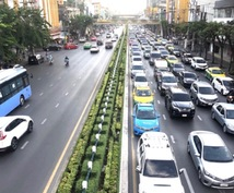 バンコクの運転手付きレンタカー手配の代行します 少人数から20人乗りバスまで手配します
