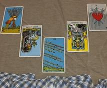 タロットカードが未来の道しるべになります 選ぶのはAか?Bか?タロットで占う二者択一リーディング