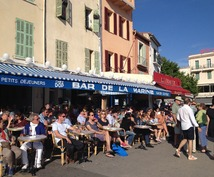おしゃれなパリジャンヌがあなた商品を買っていきます パリでご自分の手作り商品を売ってみませんか?