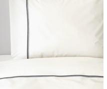 シングル掛け布団カバーをお安くしています 掛け布団カバーと枕カバーのセットになります。