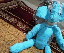 ドゥヴォロヴォーイの青色のぬいぐるみ