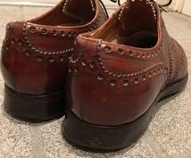 靴磨きます ピカピカに靴磨きをする方法をお伝えします。