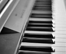 現在練習しているピアノ曲:ドビュッシーのアラベスク第1番を弾かせてもらいます。
