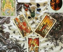 今あなたに天から贈られる1枚のカードを選びます コレクションの世界各国の占術カードから、1枚引きいたします。