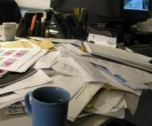 会社のデスクが書類でグチャグチャな方へ 探した書類が5秒で出せる方法