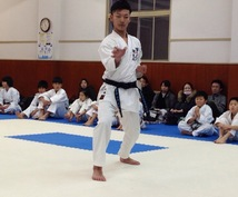武道を始めたい方、体を動かしたい方、護身術を覚えたい方、空手道をお教えします。