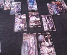 内容に合わせたカードで占います 相談内容に合わせて適切なカード、スプレッドで占います