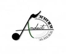 作編曲家の方へ。男性女性シンガーの歌提供します(ピッチ修正、ボーカルMIX対応可能)。